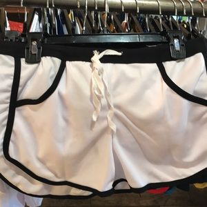 Other - Pocketed white sexy shorts